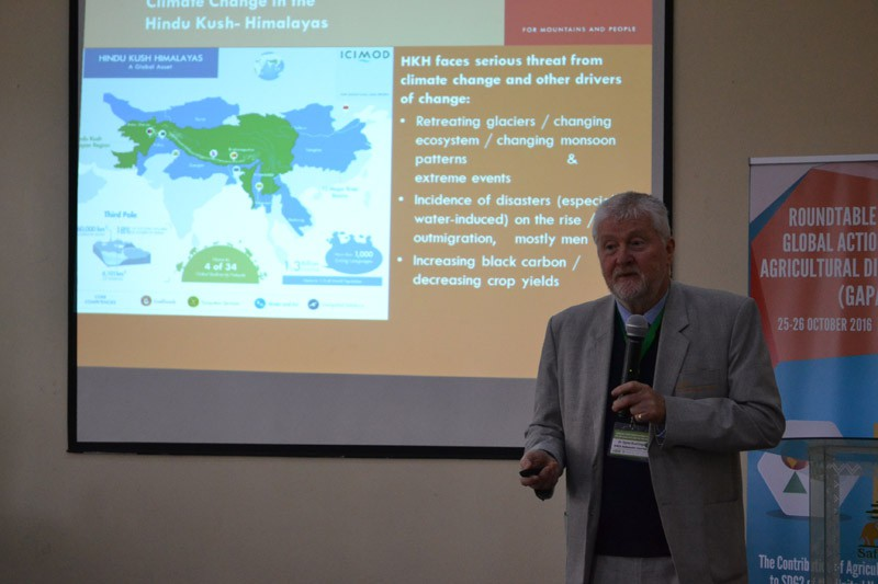 Dyno Keatinge, former WorldVeg Director General, emphasized the impact of climate change on small-scale agriculture.